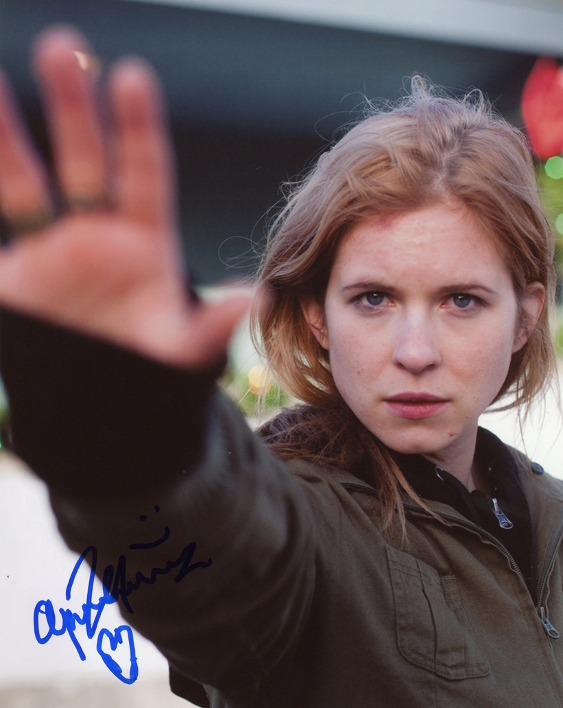 Magda Apanowicz Signed Photo