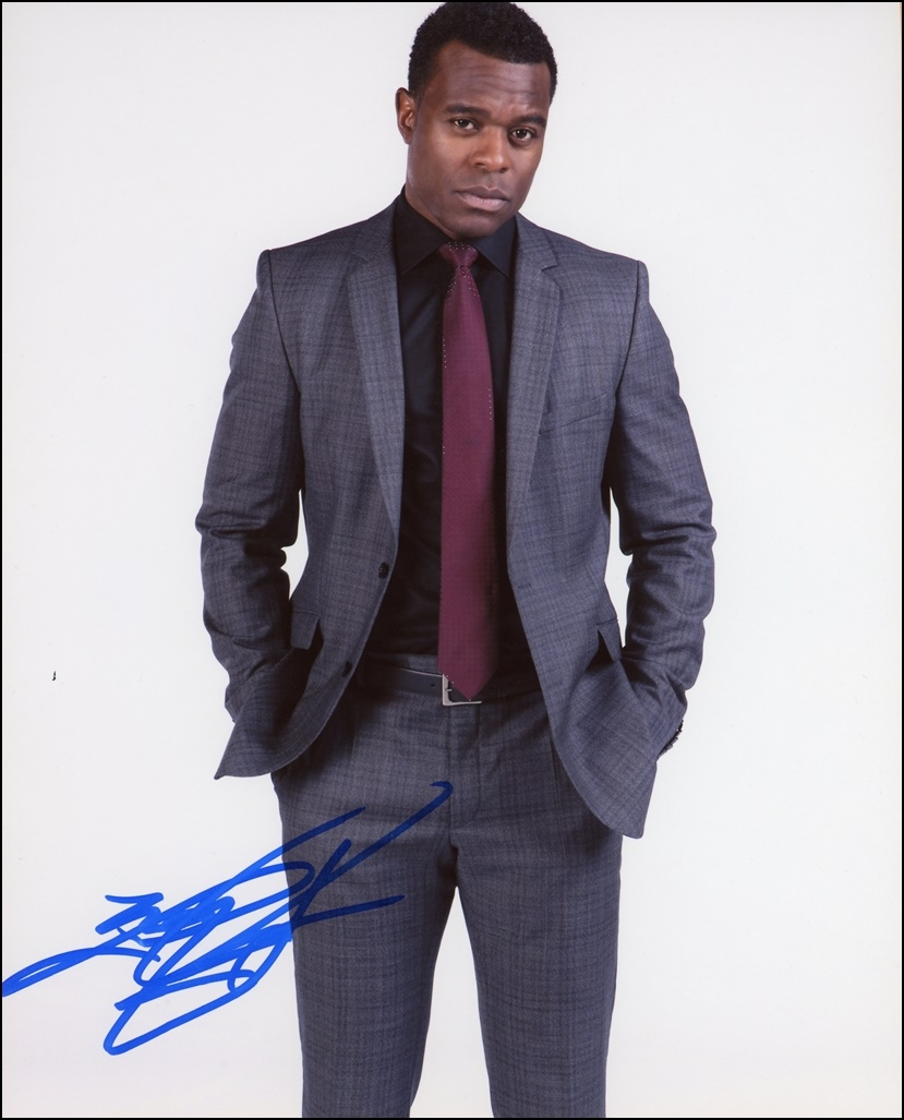 Lyriq Bent Signed Photo