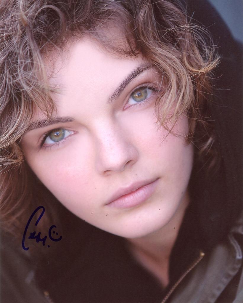 Carmen Bicondova Signed Photo