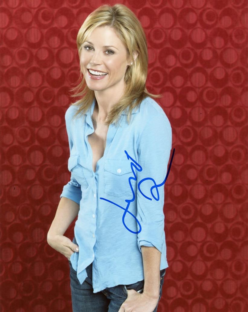 Julie Bowen Signed Photo