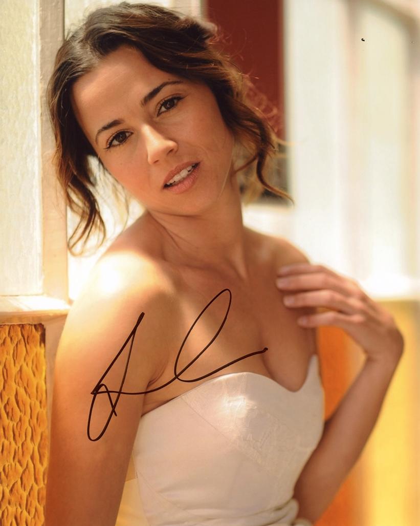 Linda Cardellini Signed Photo