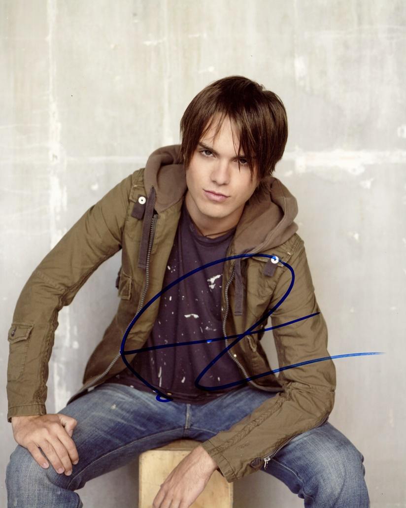 Thomas Dekker Signed Photo