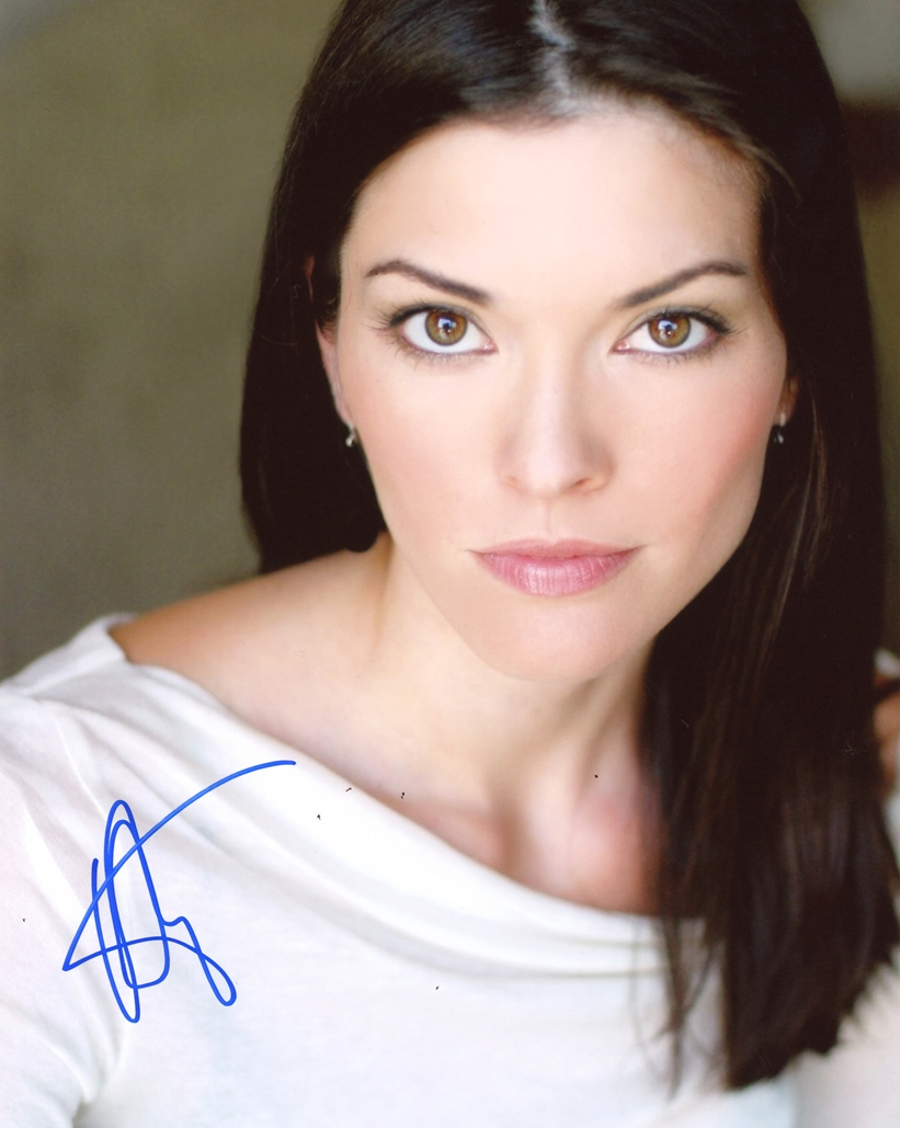 Alana de la Garza Signed Photo