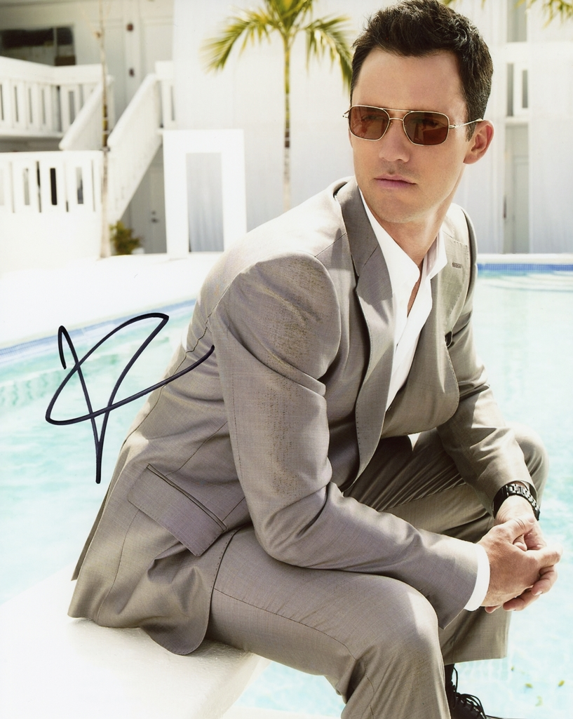 Jeffrey Donovan Signed Photo