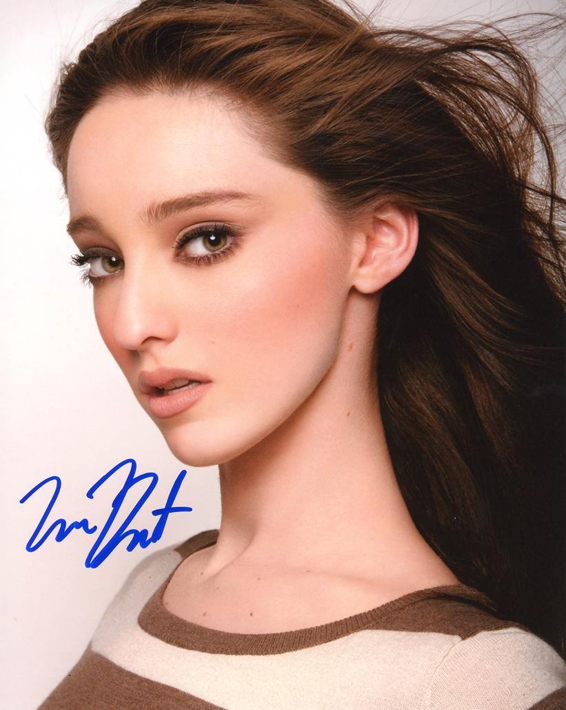 Emma Dumont Signed Photo