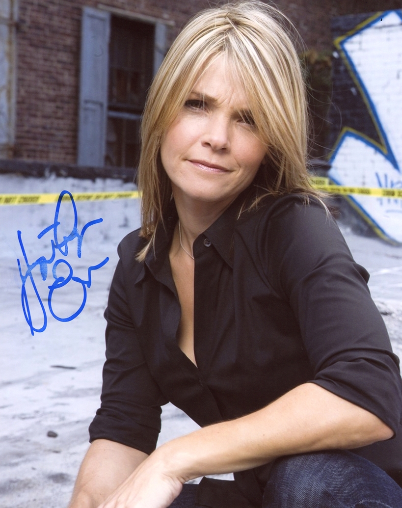 Kathryn Erbe Signed Photo
