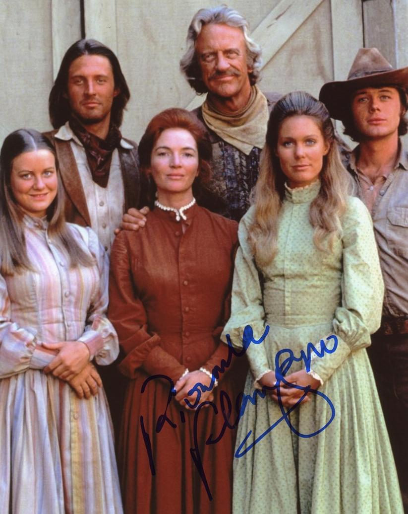 Fionnula Flanagan Signed Photo