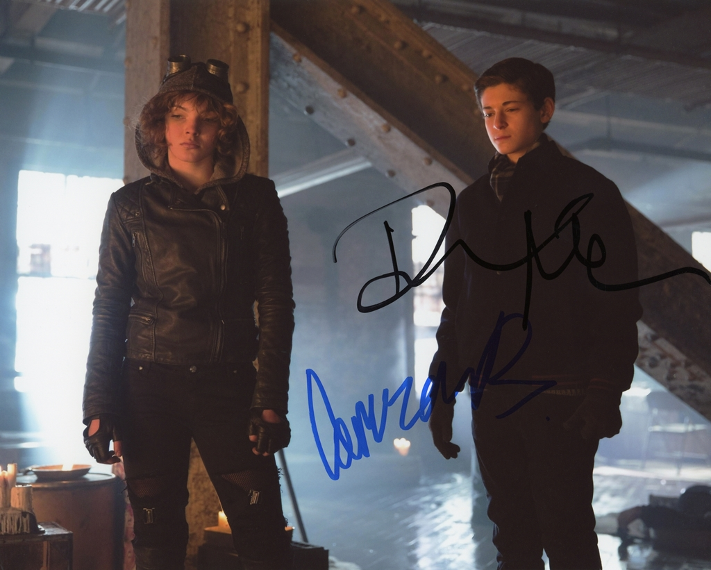 Camren Bicondova & David Mazouz Signed Photo