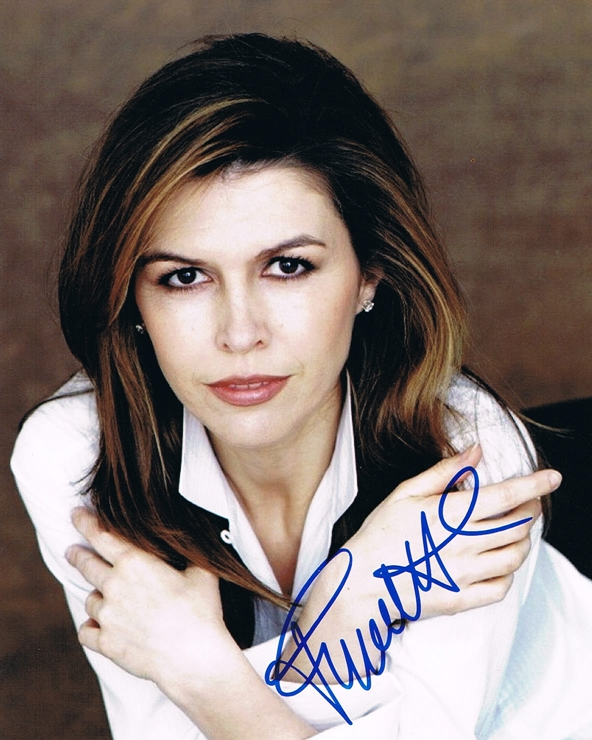Finola Hughes Signed Photo
