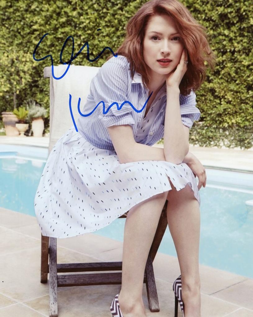 Ellie Kemper Signed Photo