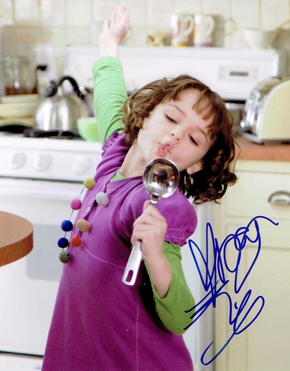 Joey King Signed Photo