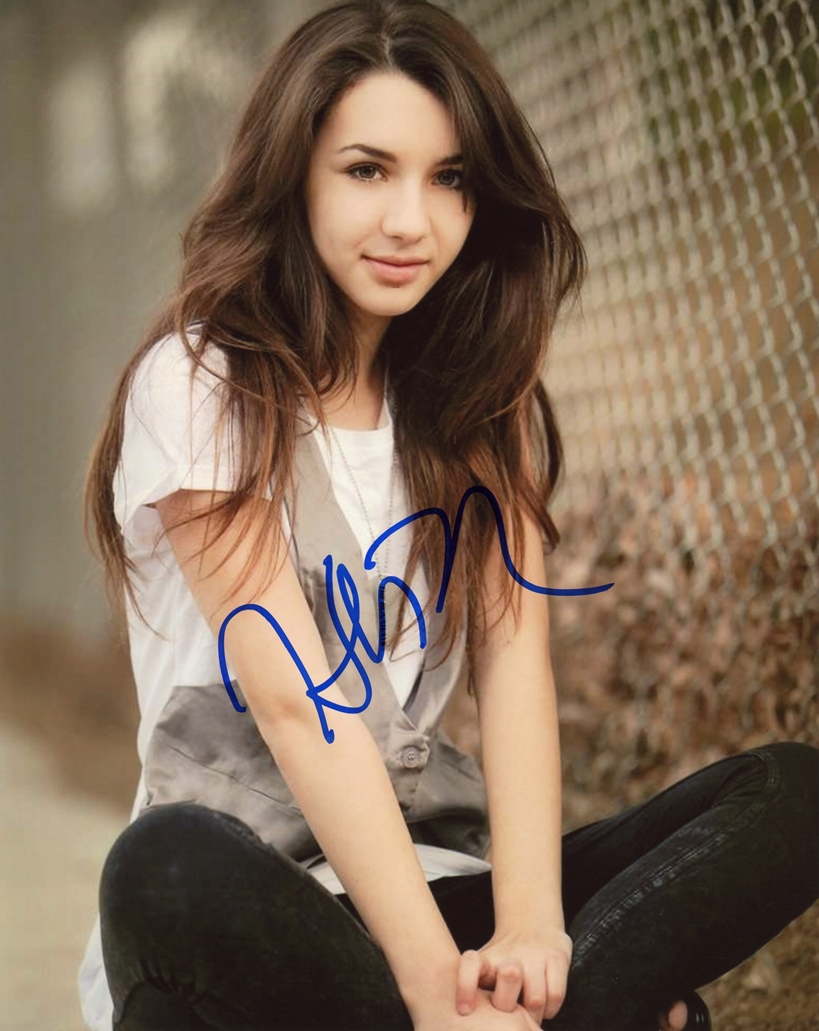 Hannah Marks Signed Photo