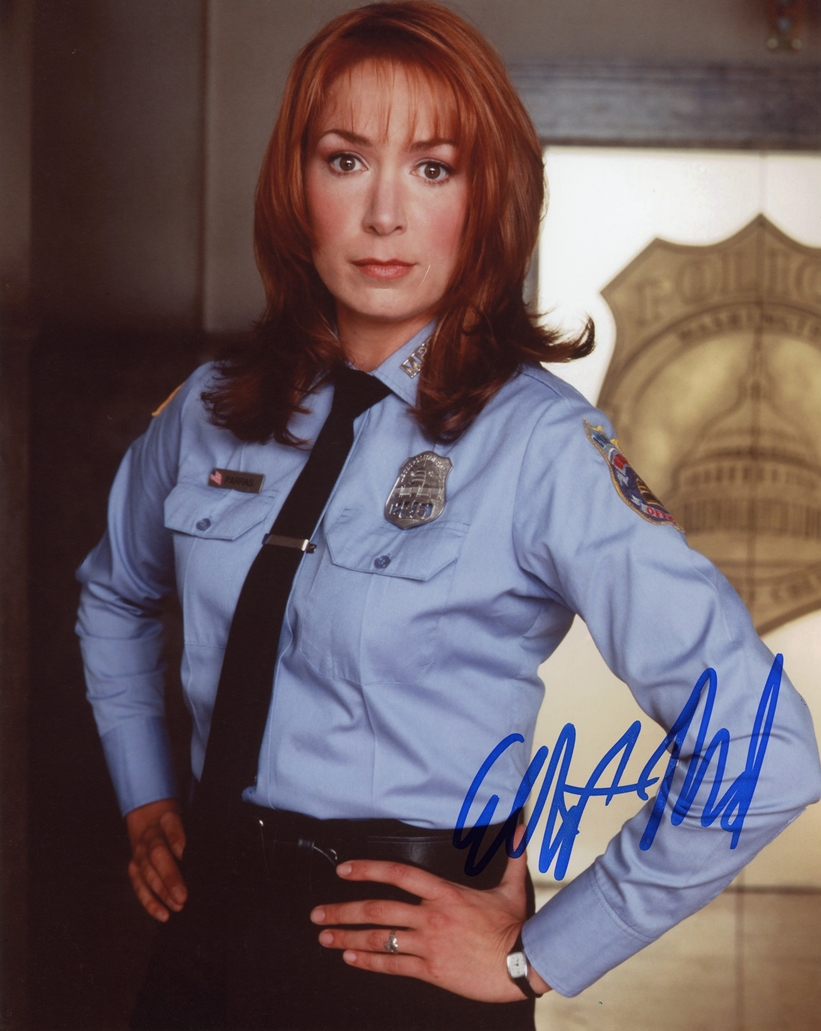 Elizabeth Marvel Signed Photo