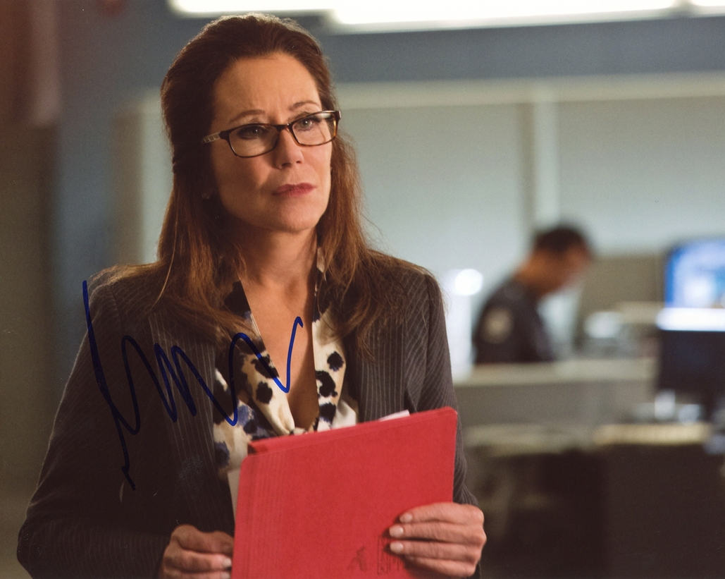 Mary McDonnell Signed Photo