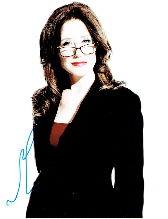 Mary McDonnell autograph