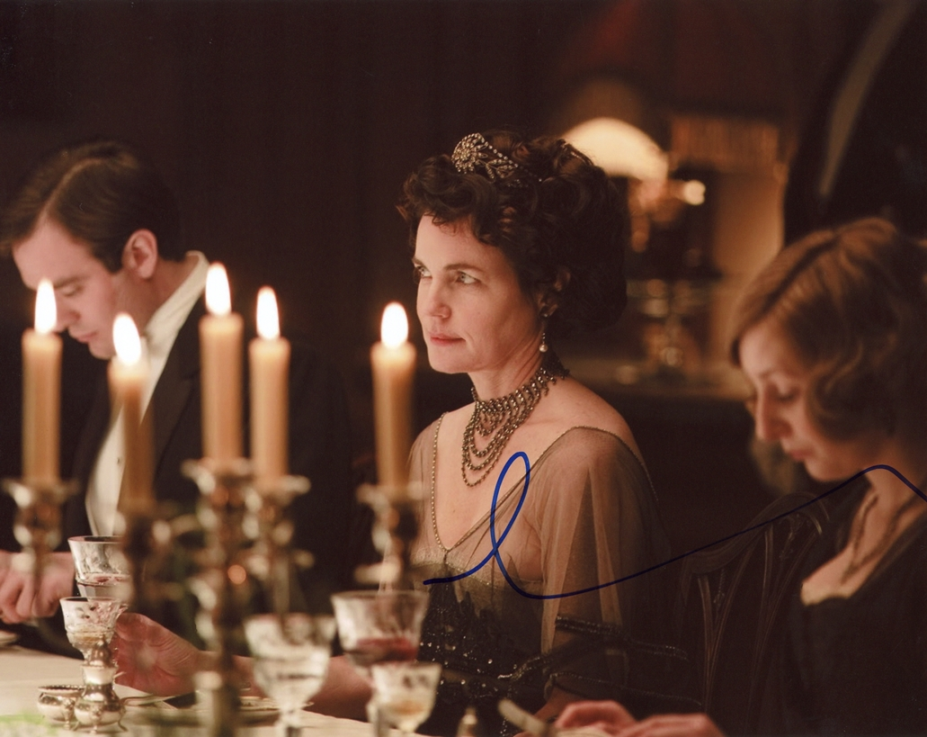 Elizabeth McGovern Signed Photo