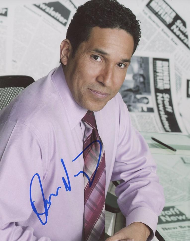 Oscar Nunez Signed Photo