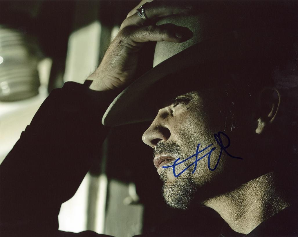 Timothy Olyphant. Signed Photo