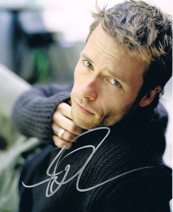 Guy Pearce Signed Photo