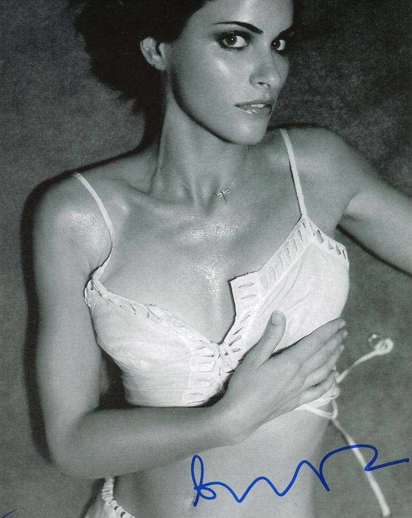 Amanda Peet Hot Pictures amanda peet - sexy autograph signed 8x10 photo d
