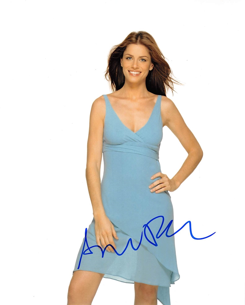 Amanda Peet Signed Photo