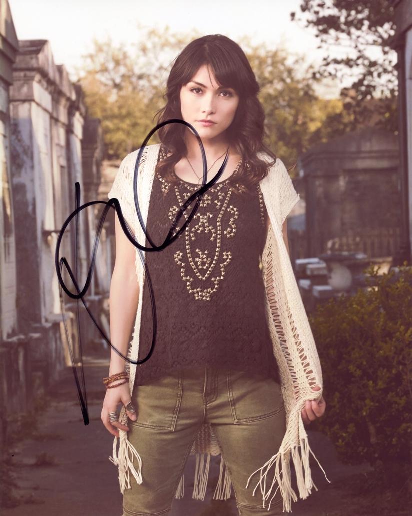 Daniella Pineda Signed Photo