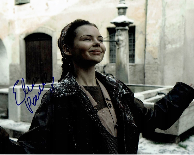 Eline Powell Signed Photo