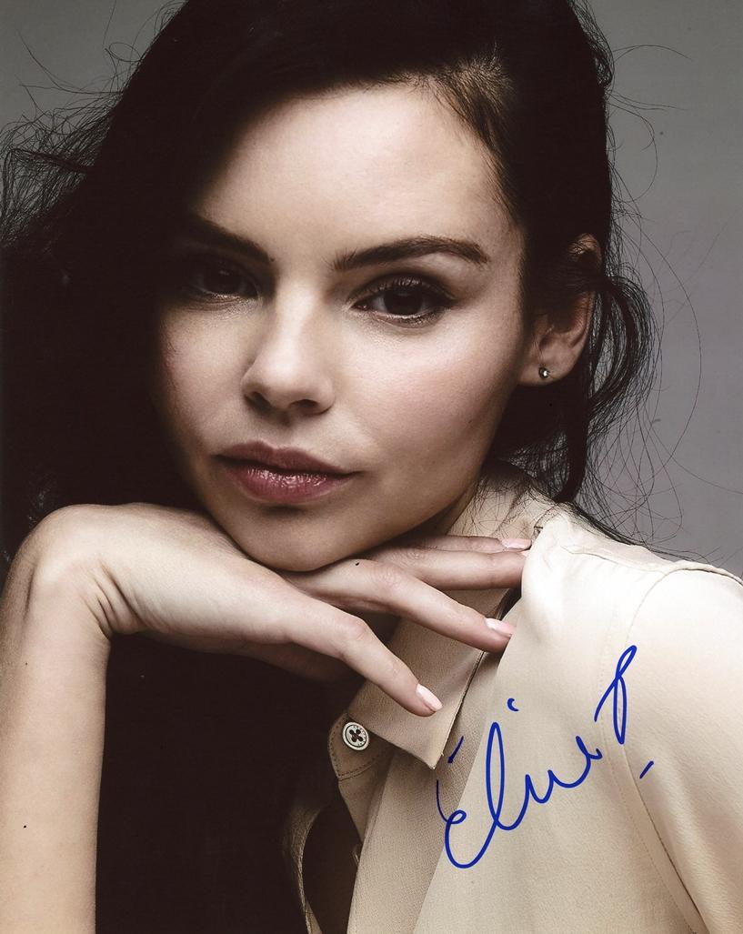 Eline Powell Signed Photo