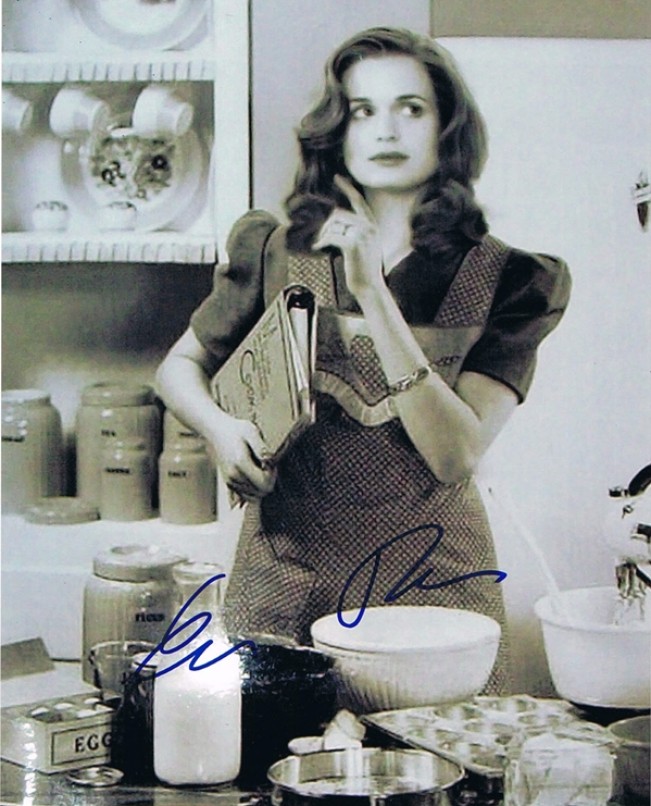 Elizabeth Reaser Signed Photo