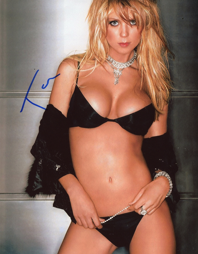 Tara Reid Signed Photo