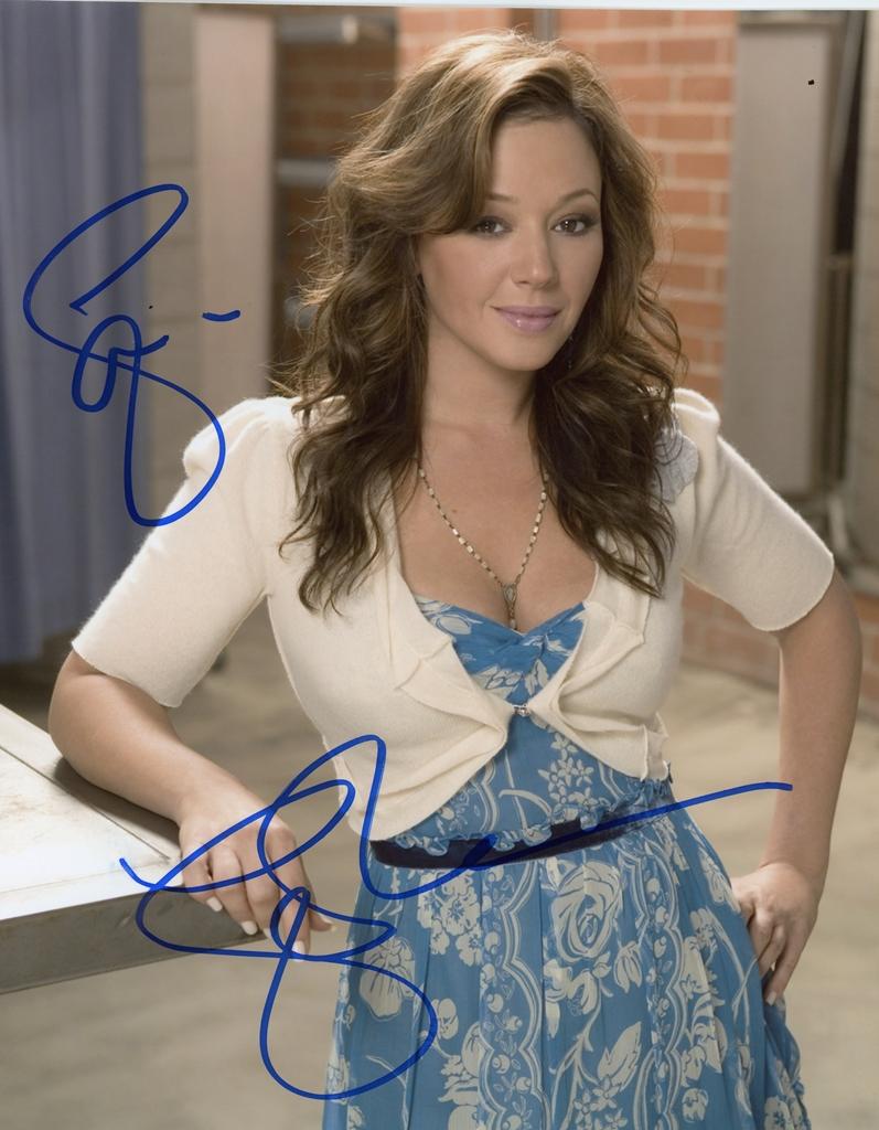 Leah Remini Signed Photo