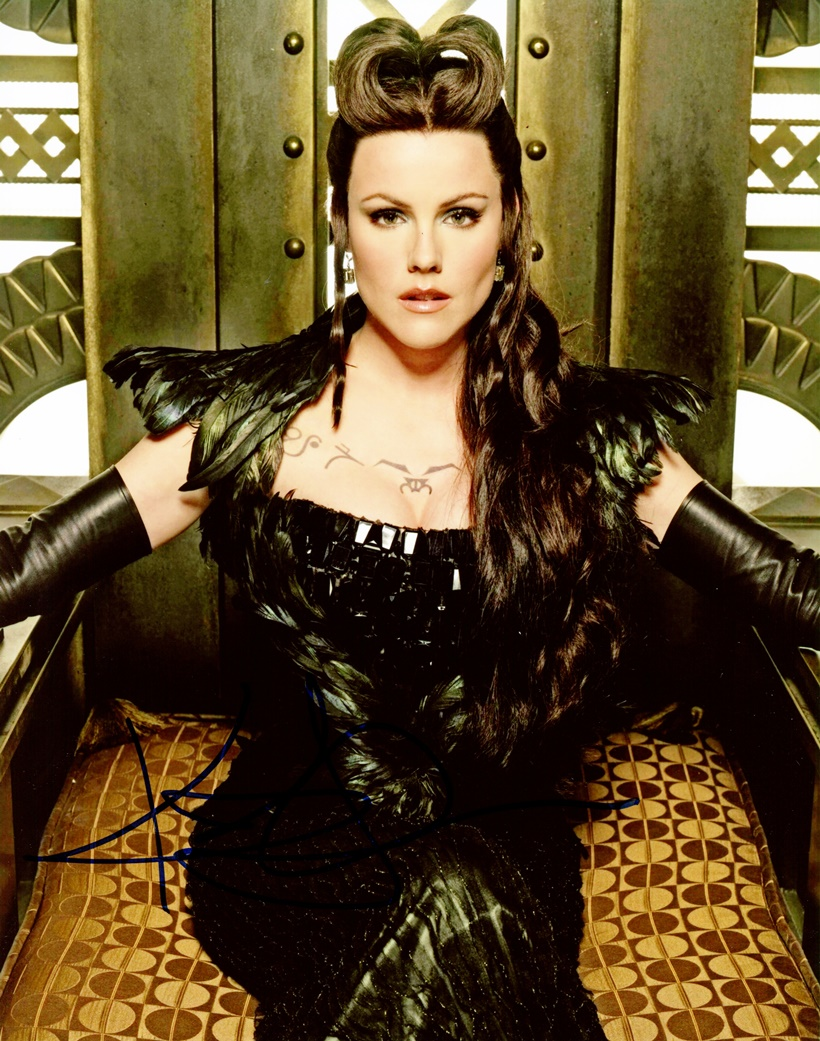 Kathleen Robertson Signed Photo