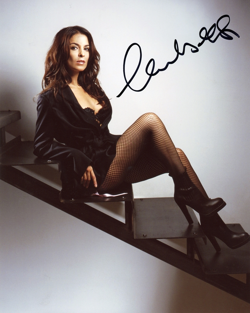 Annabella Sciorra Signed Photo