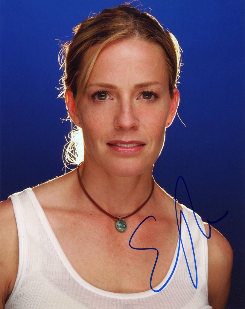 Elisabeth Shue Signed Photo