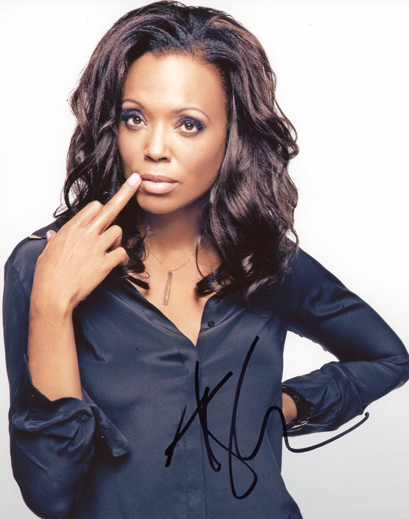 Aisha Tyler Signed Photo
