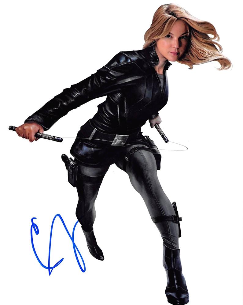 Emily VanCamp Signed Photo