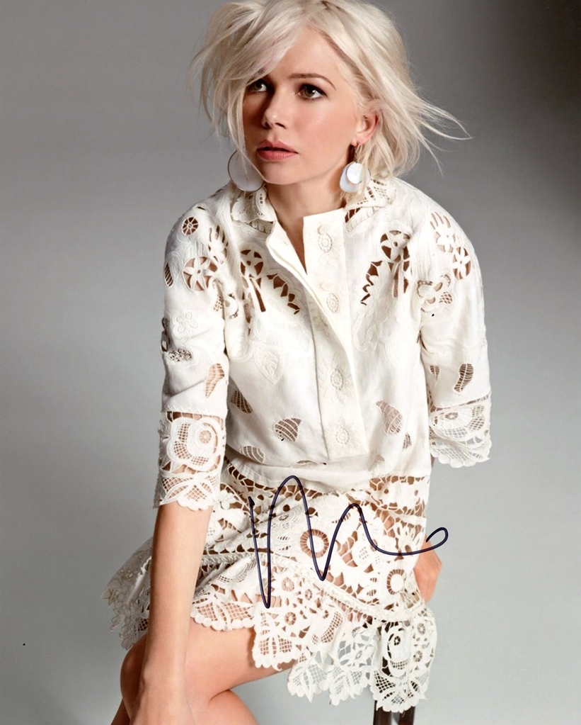 Michelle Williams Signed Photo