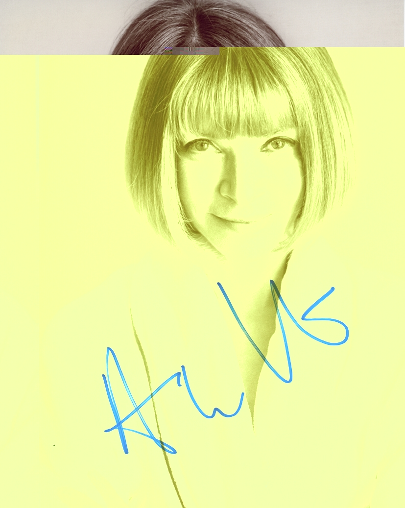 Anna Wintour Signed Photo