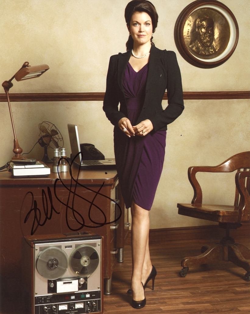 Bellamy Young Signed Photo
